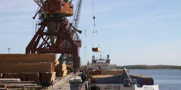 Дневник навигации – 2017:   Идёт интенсивная отгрузка грузов в пункты рек Арктического побережья.