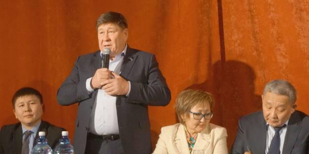 Народный депутат Якутии Сергей Ларионов встретился  с общественностью Амгинского улуса.