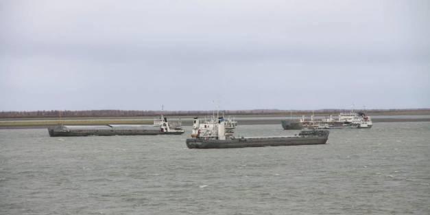 Дневник навигации: Флот доставляет грузы на Яну