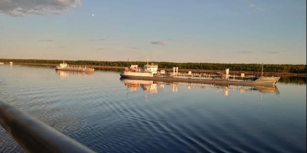 Дневник навигации ЛОРПа от 10.06: На водных магистралях работают 142 судна